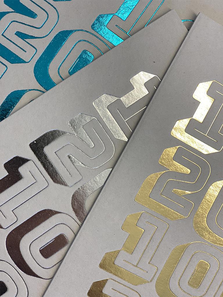 Agence le 6_Design graphic Paris_Communication corporate_Identite visuelle_Voeux 2020_Carte_Impression dorure_graphisme_Typographie_Branding